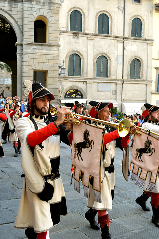 Musicians from Arezzo.