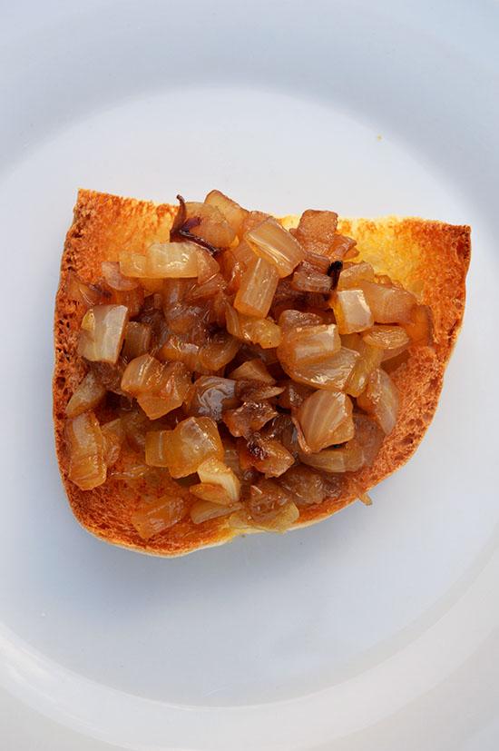 Cipolla caramellata con peperoncino